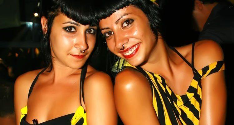 El Divino/Ibiza (Ciutat d'Eivissa) S** and Style Pur! Glamouröses Ambiente zur Honey Lounge Party. 47 Euro Eintritt / Wodka-Red Bull 17 Euro