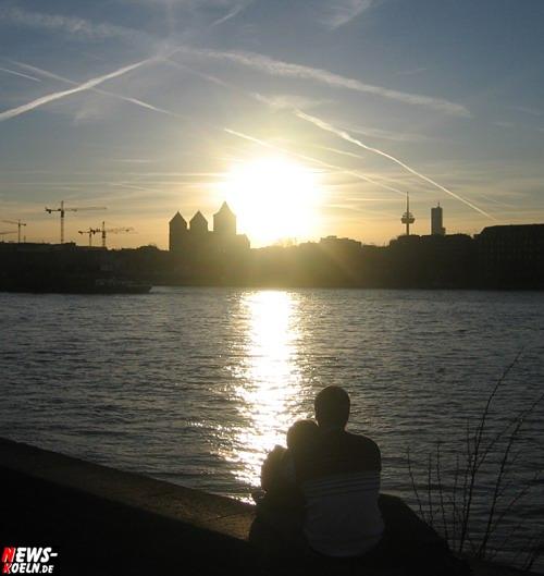 Foto(s) des Tages: Frühlingsgefühle an der Kölner RheinPromenade