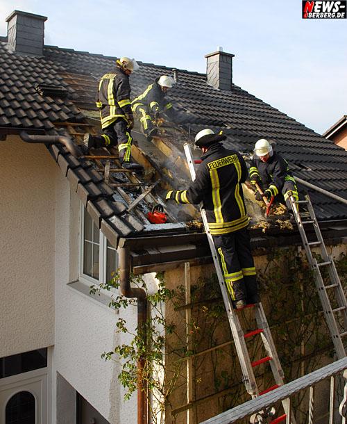 Waldbröl: Feueralarm!! Wohnhausbrand – Rauchschwaden im Dachstuhl. Isolierung brannte