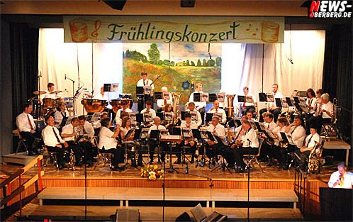 Waldbröl: Frühlingskonzert Posaunenchor Lützingen mit Jesus Christ Superstar bei sommerlichen Temperaturen