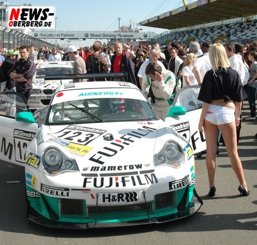 Nürburgring: Packender Dreikampf beim 32. DMV 4-Stunden-Rennen!! Sieg für Land Motorsport