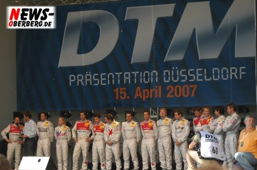 Motorsport.NEWS-on-Tour.de: (Düsseldorf) Heißer Auftakt zur ´DTM Präsentation 2007´ vor 180.000 Fans. F1-Weltmeister Mika Häkkinen umjubelt!