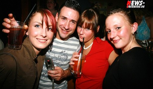GM: NO LiMiT PARTY (Fotoshooting!) Einmal zahlen und die ganze Nacht ´frei trinken @B1 [ Sa. 21.04.06 ]