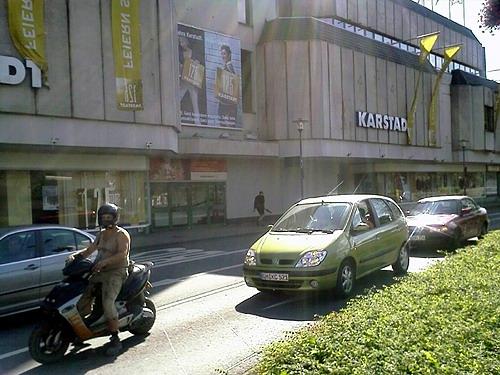 Gummersbach: Karstadt baut Markenpräsenz und Angebot aus!! Neugestaltung auf mehr als 3.500 m² Verkaufsfläche.