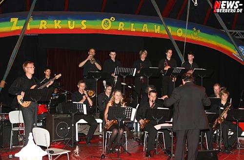Bergneustadt: 1. ´Big Band Festival´ der oberbergischer Musikschulen im Zirkuszelt