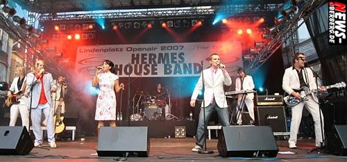 GM: (UPDATE! Fotoshooting – on! -) Rund 5.000 Besucher sahen stimmungsgeladene 1A-Sahne ´Hermes House Band´ und fetzige Rock-Cover Band ´Lifestyle´ beim 7. Lindenplatz Open-Air 2007