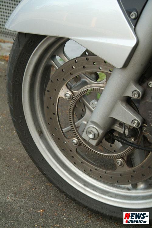 Made in France: Mögliche Defekte in der Lauffläche!! Michelin ruft 68.000 Motorrad Reifen ´Pilot Power´ zurück