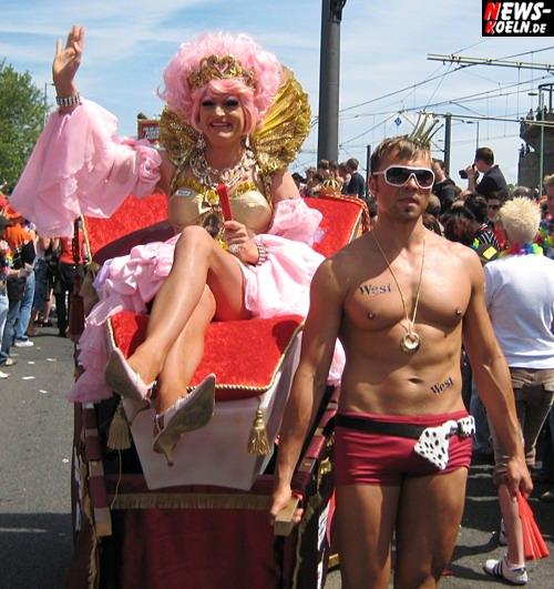 Köln: Petrus muss ein Schwuler sein!! Kaiserwetter zum CSD 2007! Über 750.000 sahen die internationalen Feiertage von Lesben, Schwulen und Transgender! Schlagerstar Nic ´Einen Stern´ Oberkörperfrei auf der Bühne (mit Video)