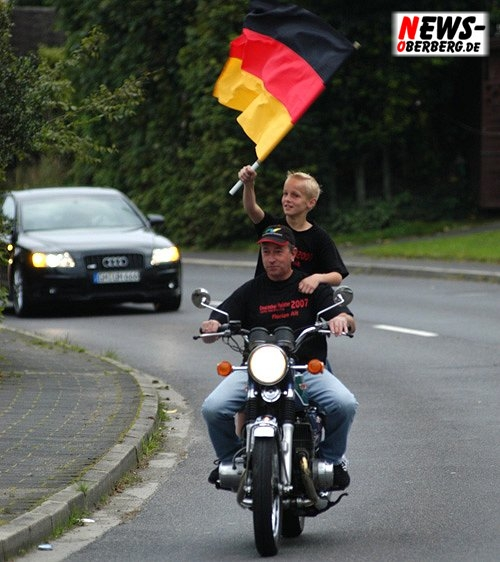 Motorsport.NEWS-on-Tour.de: (Nümbrecht) Toller feierlicher Empfang für den neuen ´Deutschen Meister Florian Alt´ im Heimatort Homburg-Bröl
