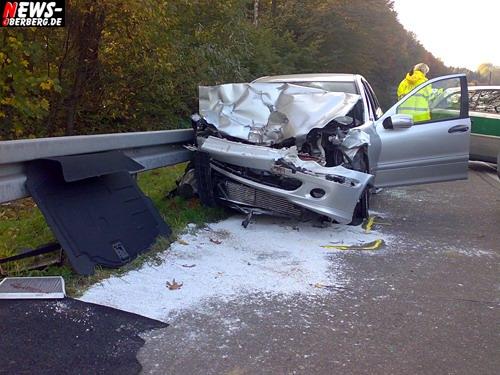 Bergisch Gladbach: 77-Jähriger auf A4 tödlich verunglückt! Vollsperrung der Autobahn in Fahrtrichtung Olpe für drei Stunden. Zeitweise entstand ein Rückstau bis zu 10 km