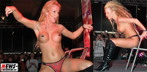 Girls - striptease - EMS (Essen Motor Show 2007)