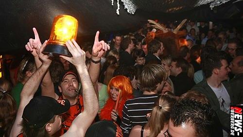 ntoi_b1_jaegermeister_party_02.jpg