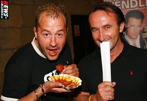 Willi Herren (l.) und PR-Manager Mega-Arena ´Andy Bucher´ Foto: `Der Sasse´ www.NTOi.de