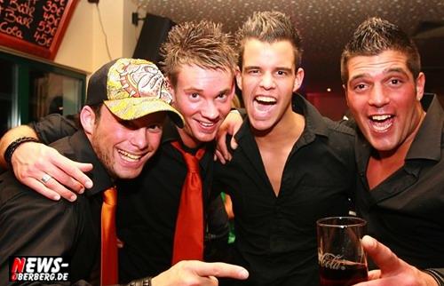 ntoi_b1_news-oberberg_aftershow_party_500_004.jpg