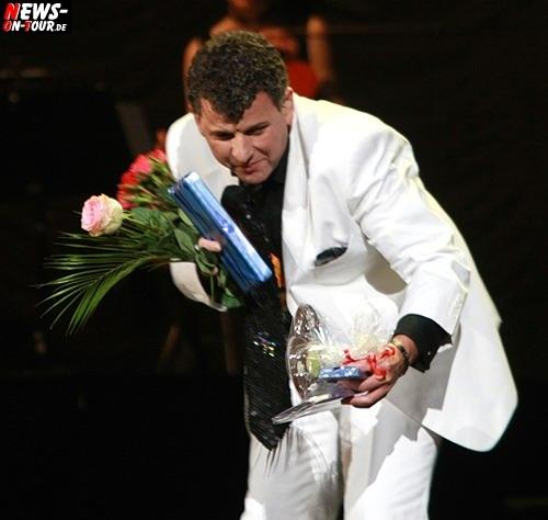 Köln: (FINAL UPDATE! Über 50 HQ-Fotos online) Amadeus Award Gewinner und König der modernen Volksmusik SEMINO ROSSI (45) verzauberte über 7000 Zuschauer in der Kölnarena