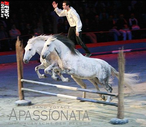 Kölnarena: (Final UPDATE!) Drei Supershows vor insgesamt 28.000 Zuschauern! Der fliegende Franzose LORENZO fesselte das Publikum mit seinen extravaganten Showeinlagen zur Galanacht der Pferde ´APASSIONATA – GRAND VOYAGE´