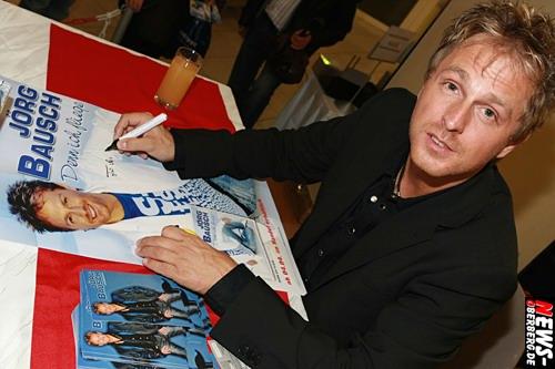 Jörg Bausch bei der Autogrammstunde in Gummersbach (EKZ Bergischer Hof) Foto: ´Der Sasse´