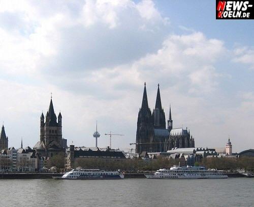 Das Wahrzeichen der Domstadt, der Kölner Dom (offizieller Name Hohe Domkirche St. Peter und Maria), ein beliebtes Fotomotiv in Liason mit ´Vater Rhein´. Fotos: Wolfgang Sasse [ Foto+TV Agentur NTOi.de ]