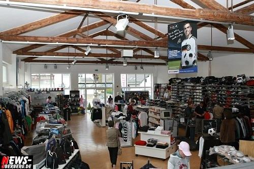 Gummersbach (Derschlag): Neu eröffnet! SPORT-Messerer bietet ab sofort alles für Running/Walking, Tennis, Fitness, Fußball, Trekking/Outdoor, Bade, und Ski unter einem Dach…