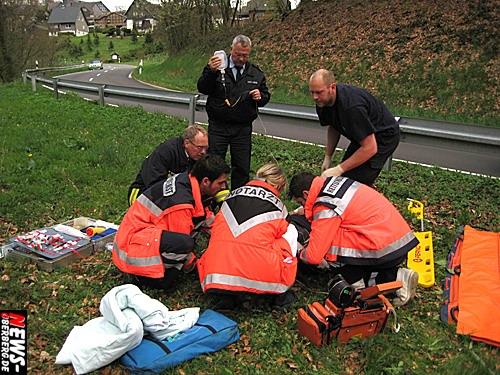 Bergneustadt: (Belmicke) Motorradfahrer aus Bottrop wurde bei einem ´Alleinunfall´ in einer Kurve schwer verletzt