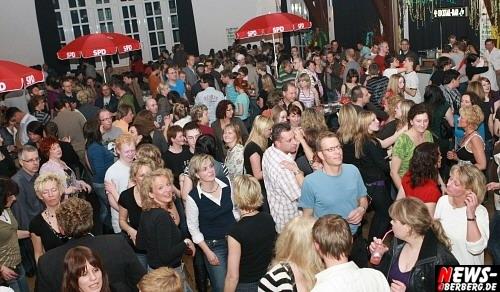 ntoi_spd_tanz_in_den_mai_krawinkelsaal_02.jpg