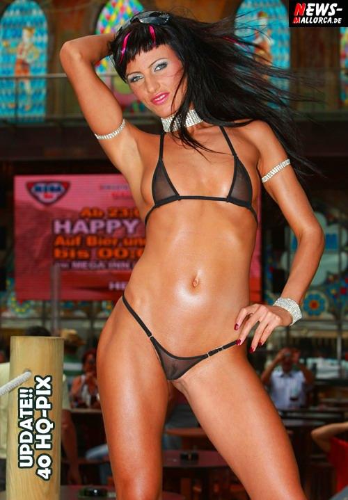 Playa de Palma: (Mallorca) ´Drama, Drama Baby! Sexy Bikini-Shooting mit dem ungarischen Erotik-Star ´Trinity Smith´ @MegaPark