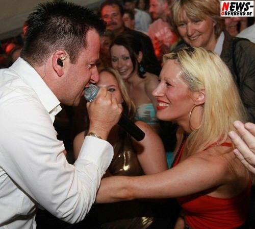 Michael Wendler Fan. Blondine in Bergneustadt (Mega Mallorca Party) 100 Jahre SSV Bergneustadt