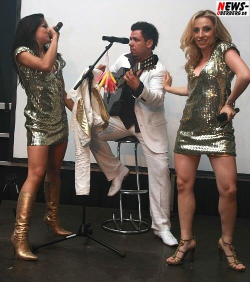 Hot Banditioz 2008 - Sängerinnen Fernanda Brandao (l.), Gabriela Gottschalk (r., Ex-Mitglied der Super Moonies) sowie dem neuen Sänger José Valdes (m.).
