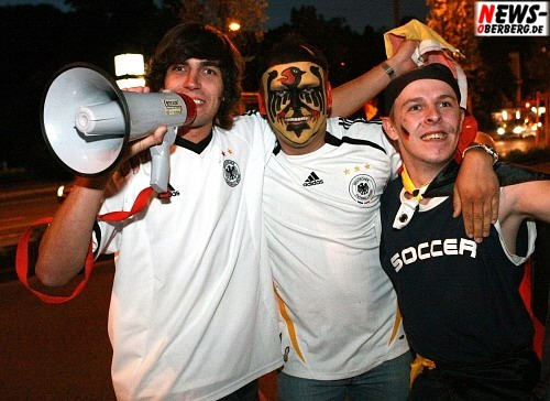 Marc Abrolath (Mitte) Fußball EM 2008