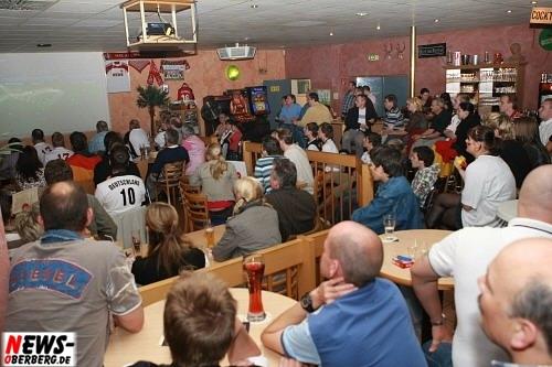 bowling_center_unter_deck_ger_aut_em2008_02.jpg