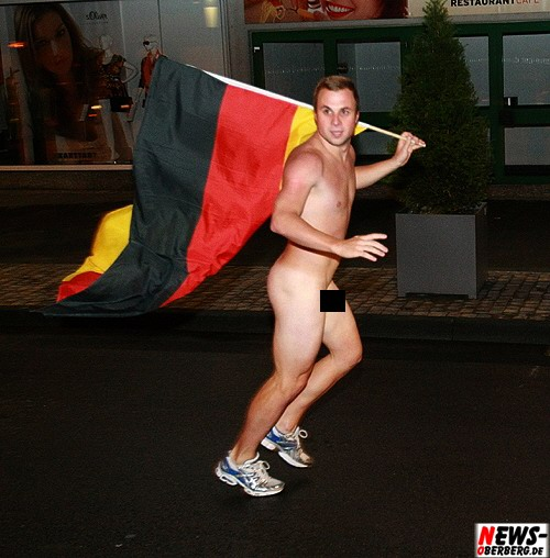 Flitzer mit Deutschlandflagge - Gummersbach