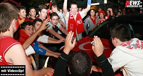 Fussball EM 2008: [HQ-Videoclip] ´Türkiye EMotions´ nach dem Spiel TUR-CRO (4:2 n.E.) @Bergneustadt City