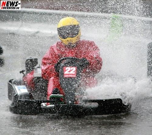 Regen_Motorsport_nasse_Action_ntoi_go_kart_wipperfuerth_2008_01.jpg