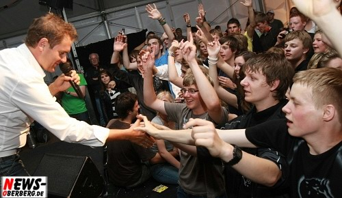 Peter Wackel mit Fans - Live on Stage -