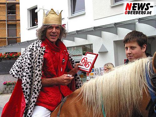 Jürgen Drews und Thomas Bannenberg mit Pferd Mona