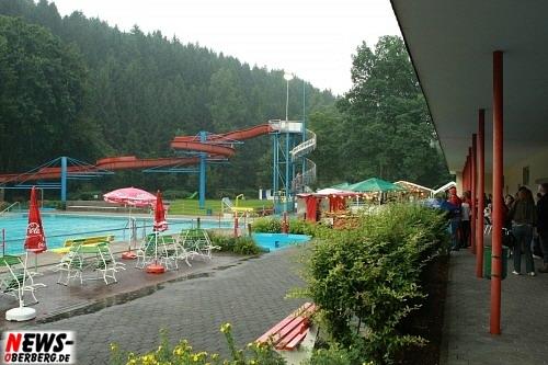 ntoi_poolparty_2008_30.jpg
