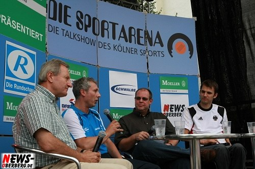 Bergneustadt: Promi Sporttalk lockte die Menschen auf den Rathausplatz. Wo die ´Talkshow Sportarena´ gastiert da scheint immer die Sonne!