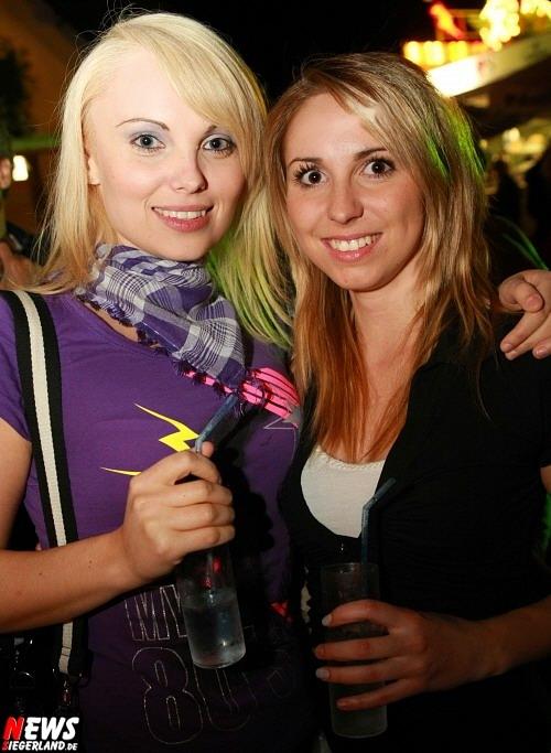 Anna Rostek (23) aus Elben und Jasmin Gilch (20) aus dem Oberbergischen Oberwiehl