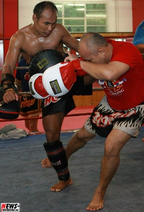Bergneustadt: Thailändische Trainerelite wurde zum ´Bodyguard Trainingscamp´ in die Kickboxschule speziell eingeflogen