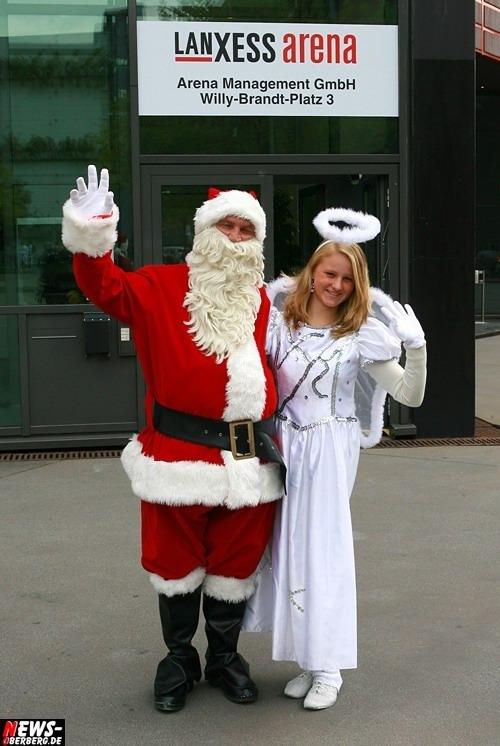 Alfons Bügler (weltberühmter Hochseilartist, Roncalli) - Tochter Sandy Bügler Lanxess Arena - Pressetermin - Fotocall - Fototermin