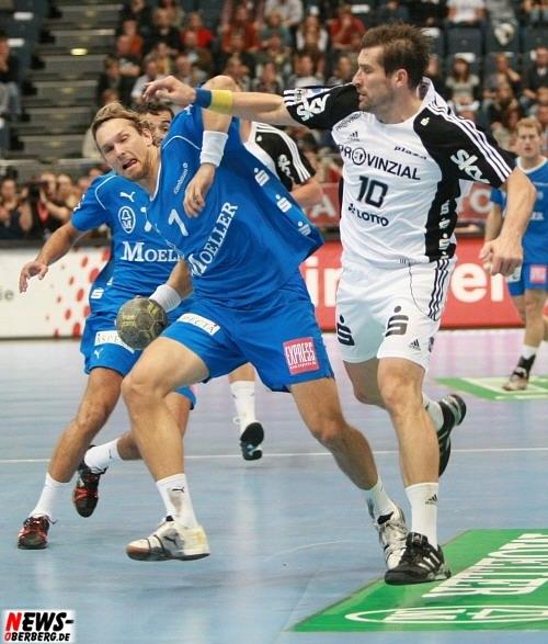 Kenneth Klev (7, VfL Gummersbach) und Stefan Lövgren (10, THW Kiel)