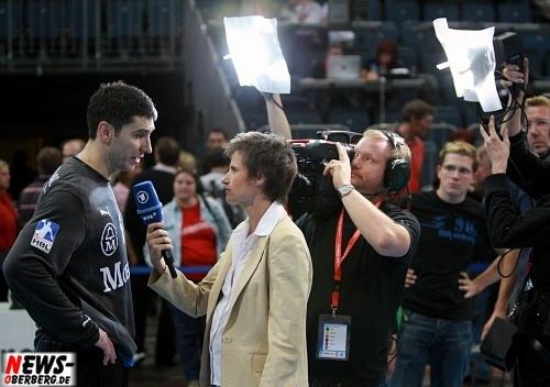 VfL Torwart Nandor Fazekas im Interview nach dem Spie mit dem WDR Fernehen.