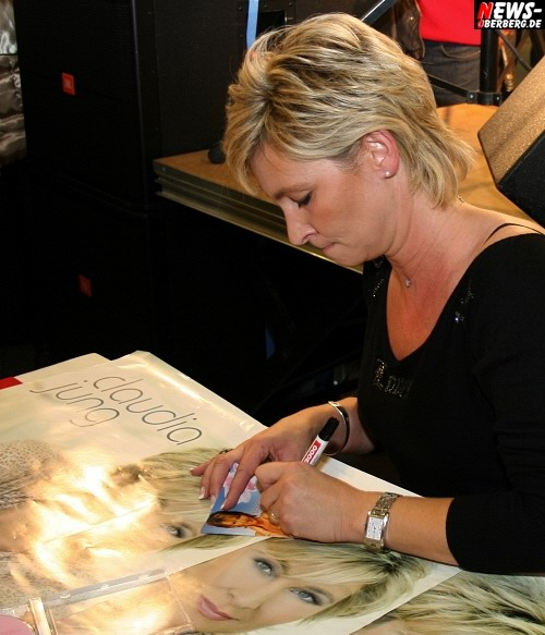 Claudia Jung - Autogrammstunde