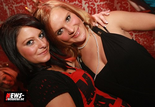 Time to entertain you @Nachtengel (Sexy Ladies)