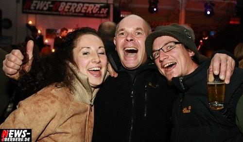 Reichshof/Brüchermühle: 1A Sahne Publikum hatte viel Spaß beim ´Werkstattrock´ (6. Herbstnacht Party) mit zwei Live-Bands
