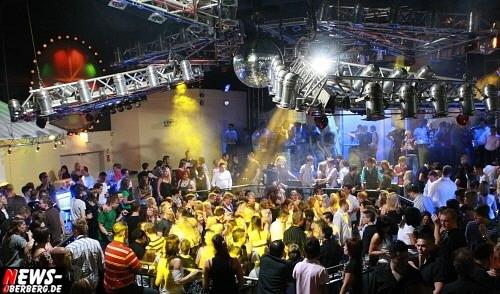 ntoi_yellow_birthday_party_13.jpg