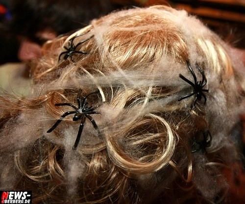 Spinnen im Haar