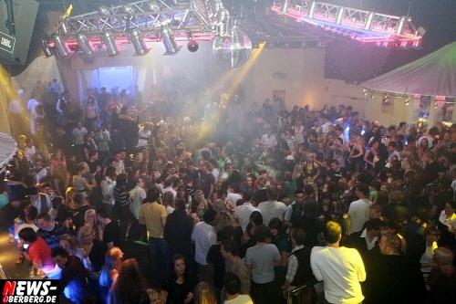 ntoi_yellow_bigfm_party_22.jpg