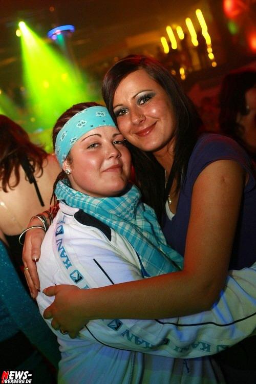 ntoi_yellow_bigfm_party_36.jpg