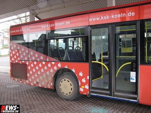 busbahnhof_gummersbach_sachbeschaedigung_07.jpg